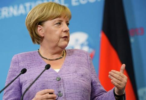 Меркель: Наша цель - экономическое сотрудничество с Россией