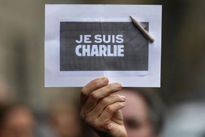 Россияне считают, что журналисты Charlie Hebdo сами виноваты в теракте