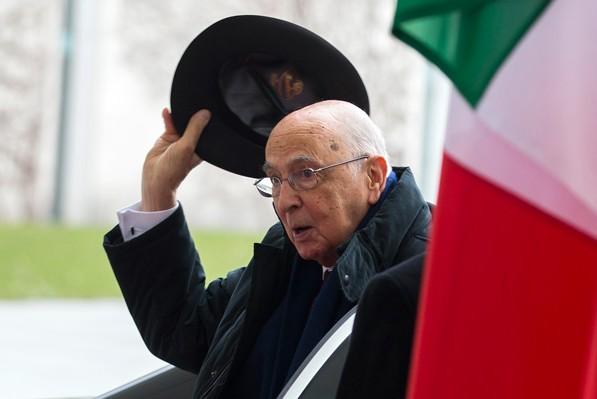 Президент Италии подал в отставку
