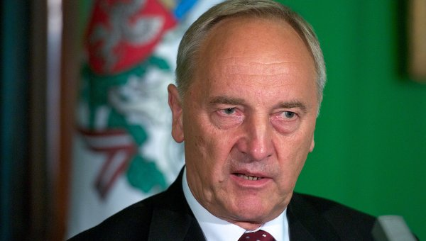 Президент Латвии - за сохранение добрых отношений с Россией