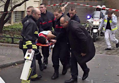 Количество убитых во время стрельбы в Париже возросло до 12 человек