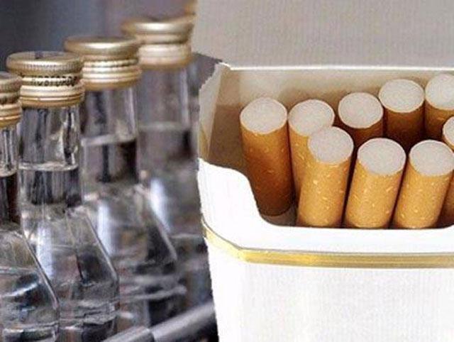 Водка и сигареты уступили гречке и сахару