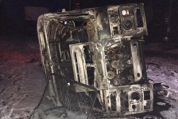 В Донецке снаряд попал в автобус: погибли металлурги