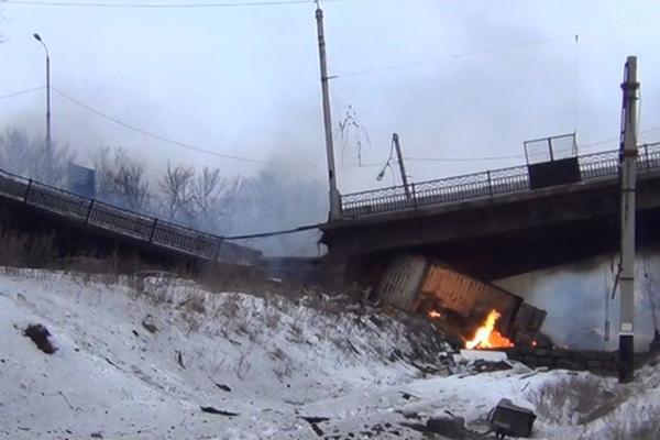 В боях за Донецк взорван главный мост города