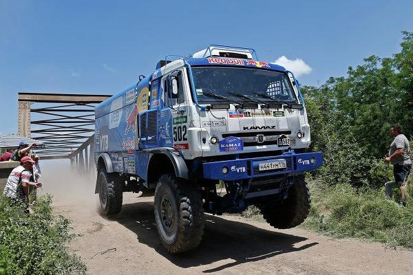 Триумфаторами ралли «Дакар-2015» стали гонщики «КамАЗ-Мастер»