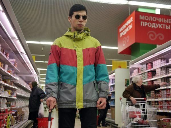 «Слепые покупатели» устроили рейд в супермаркете в Москве