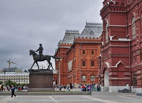Монголия попросила передать ей памятник Жукову с Манежной площади