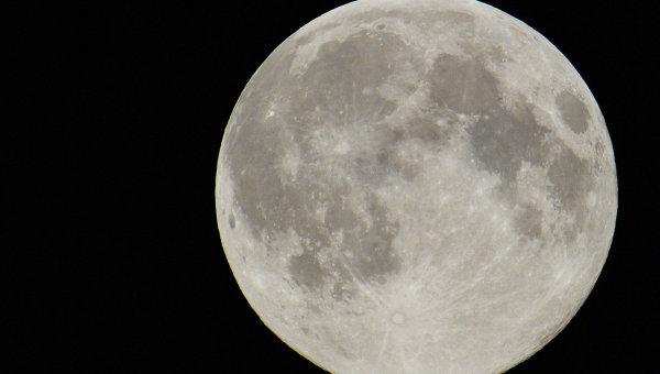NASA показало видео с темной стороной Луны
