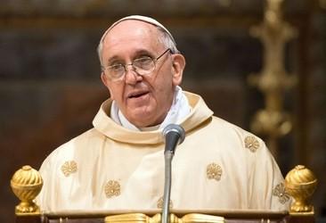 Папа Римский обратился с призывом к миру на Украине
