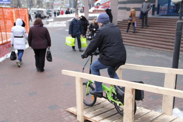 Москвичи массово поехали на работу на велосипедах