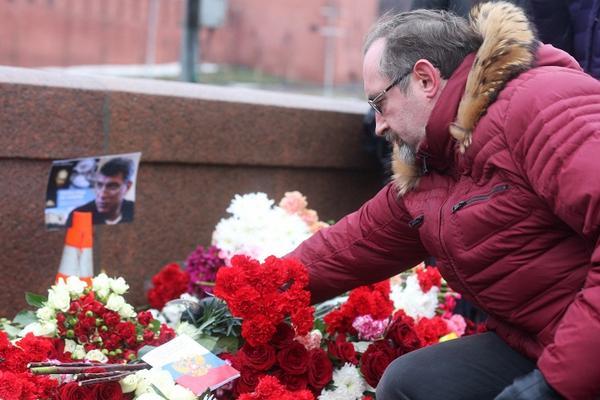 Жена Бориса Немцова сообщила, что убитый политик будет похоронен в Москве