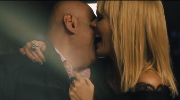 """на фото: Валерия и Иосиф Пригожин фото: кадр из клипа """"Люби меня долго"""""""