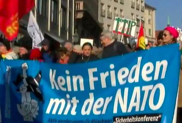 В Мюнхене проходит акция протеста против политики НАТО