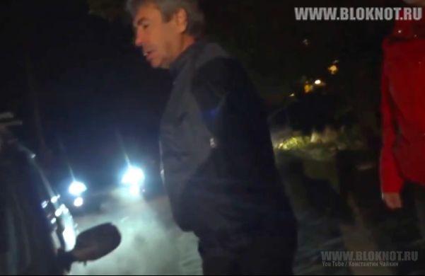 Управление президента защищает чиновника, избившего водителя автобуса