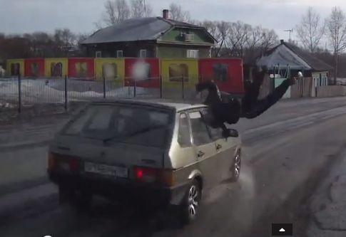 В Кемеровской области полицейский насмерть сбил пешехода