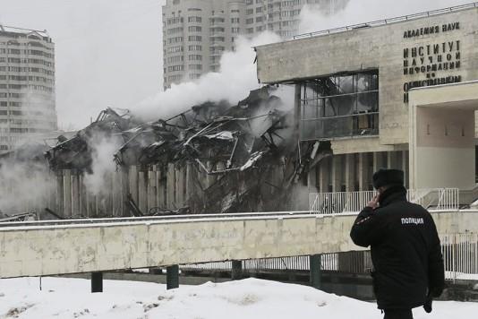 Во время аварийных работ в ИНИОН пострадал сотрудник пожарной службы