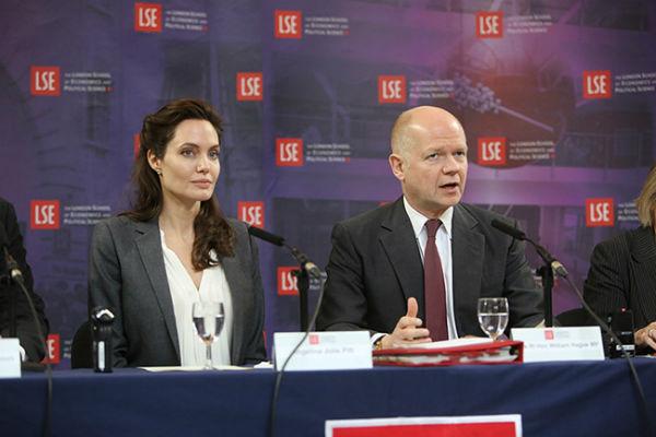 Анджелина Джоли открыла центр по борьбе с сексуальным насилием над женщинами