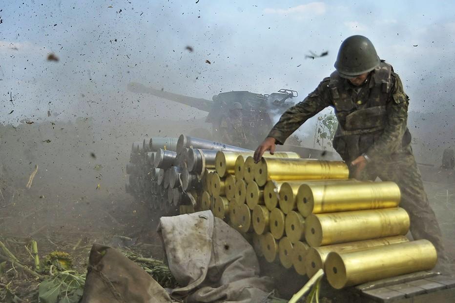 4 человека погибли, 38 ранены в результате артобстрелов в ДНР