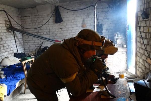 Танки и пехота ополчения развернули массированное наступление под Мариуполем