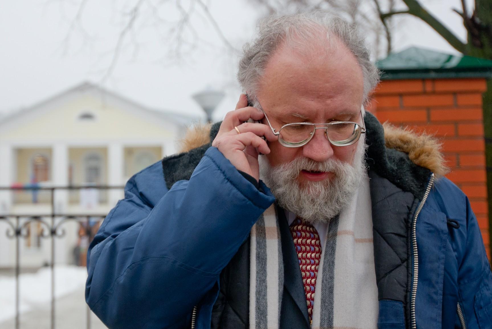 Чуров пообещал снизить зарплаты ЦИК, но с одним