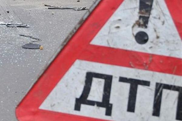 Полицейский автобус стал жертвой Cadillac на Рязанском проспекте Москвы