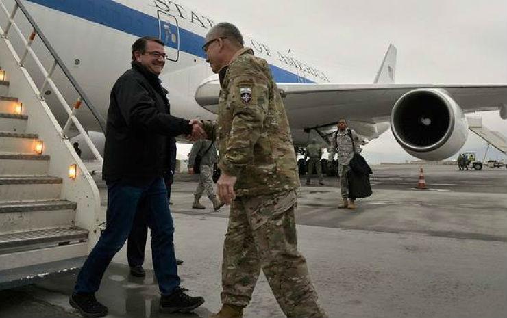 Глава Пентагона прибыл с визитом в Афганистан