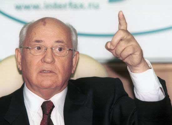 Горбачев заявил, что Янукович изжил себя как политик