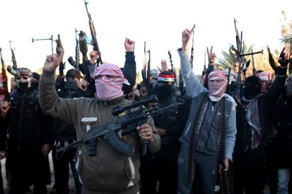 Боевики ИГИЛ из-за курильщиков перестреляли друг друга