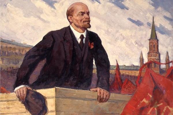 Владимиру Ленину поменяют костюм