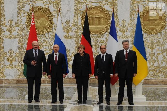 Переговоры президентов в Минске уже длятся более десяти часов