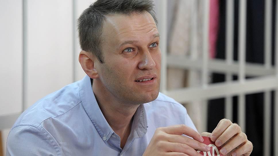 «Только репрессии и уловки»: политолог рассказал, чем опасен новый приговор Навальному