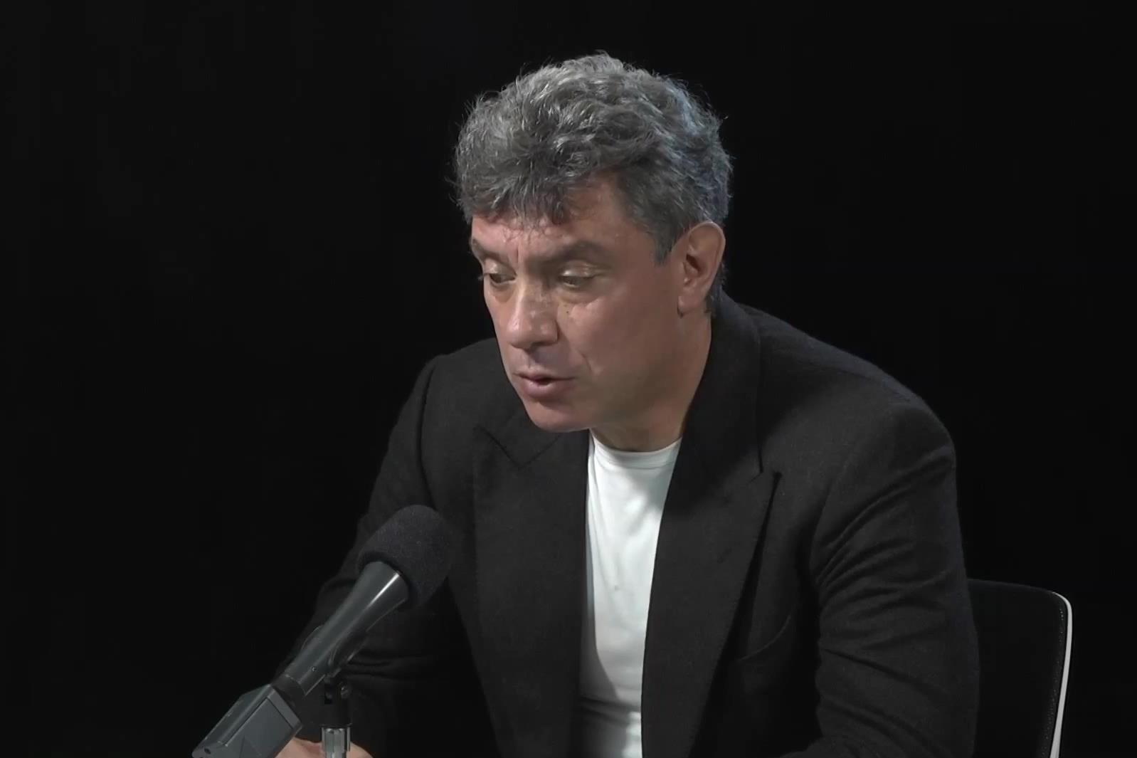 Правоохранители столицы проверили несколько автомобилей после убийства Немцова