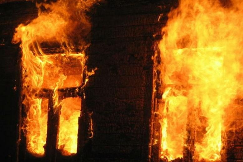 4 человека погибли на пожаре в Саратовской области