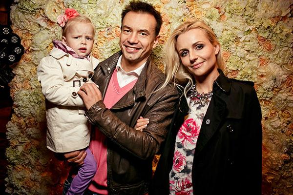 Обе дочери экс-супруги солиста «Дискотеки Аварии» Алексея Серова живут с отцами