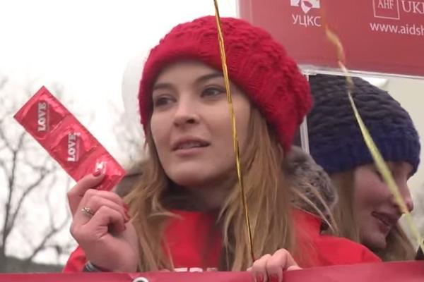Презерватив объявили главным оружием в Киеве