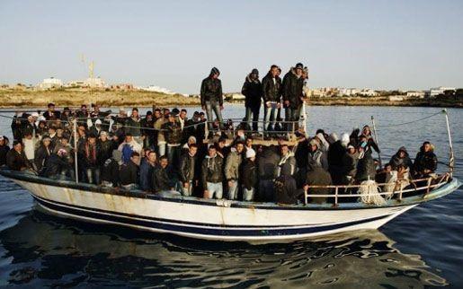 Более 200 мигрантов погибли у берегов Сицилии