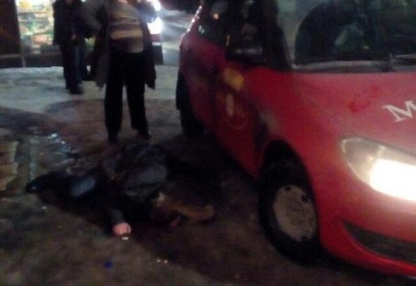 Наезд таксистки на пьяного пешехода в Петрозаводске попал на видео