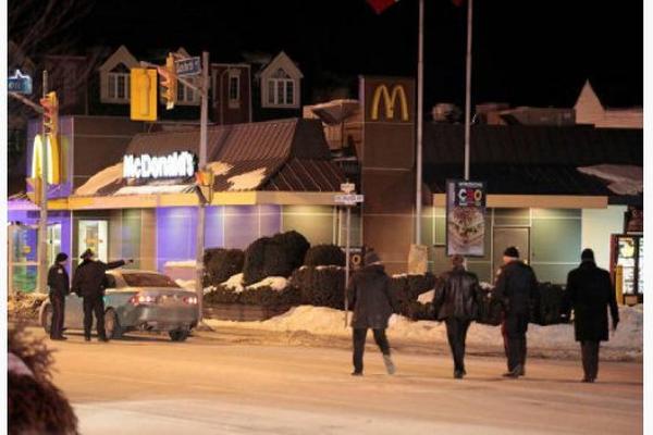 Охранник канадского McDonald's перестрелял посетителей