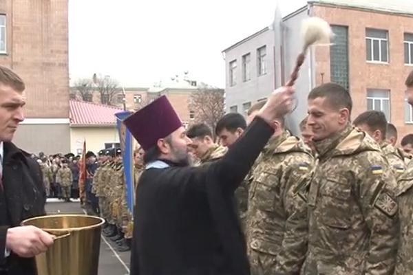 Из-за войны на Украине состоялись экстренные выпуски офицеров