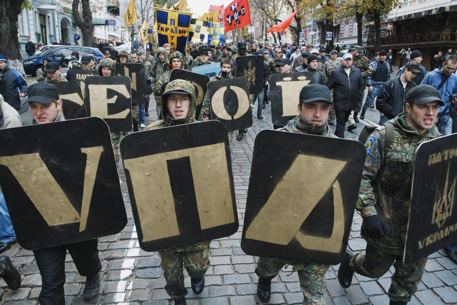Левичев: На Украине поиск идентичности принял дикие формы