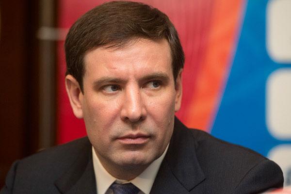 Депутат Госдумы побил бизнесмена клюшкой