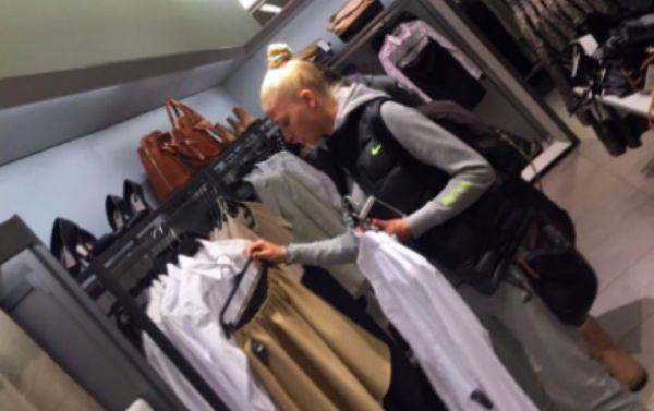 Девушка Тимати Алена Шишкова на шоппинге в Zara