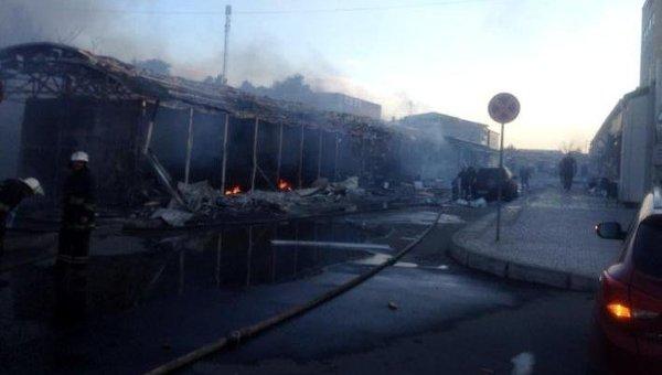 В Донецке снаряд попал в здание вокзала