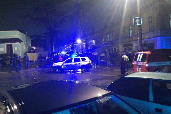 Взрыв у волонтерского центра в Одессе оценили как теракт