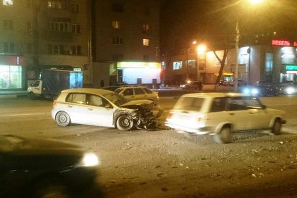 В Воронеже произошло ДТП с участием 5 автомобилей