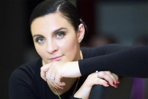 Суд и штраф грозят певице Елене Ваенге за высказывания в Интернете