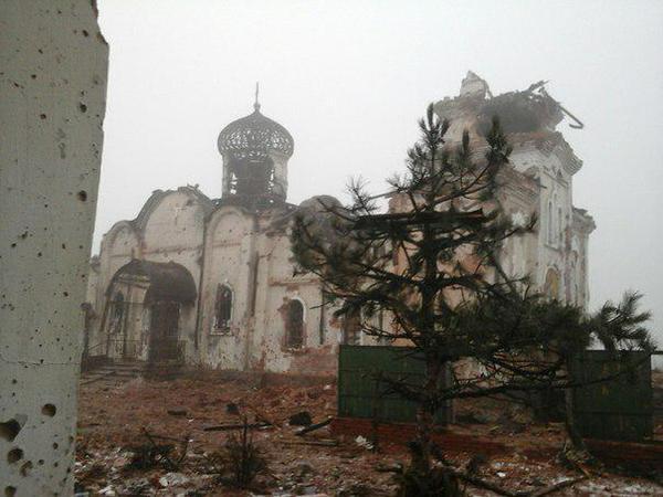 Помощник Порошенко выложил видео расстрела монастырского кладбища