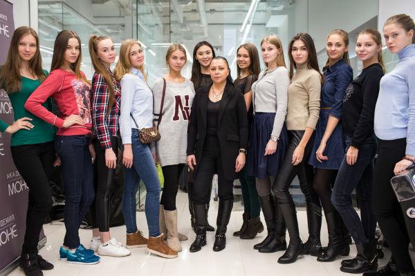 Участниц конкурса «Мисс Россия-2015» научат ходить по модному подиуму и печь куличи