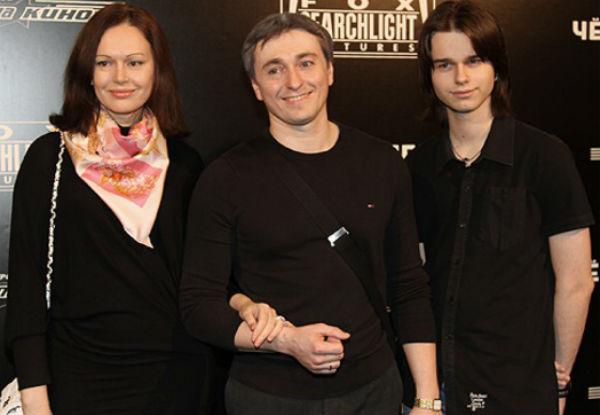 Сергей Безруков не смог приехать на похороны своего пасынка