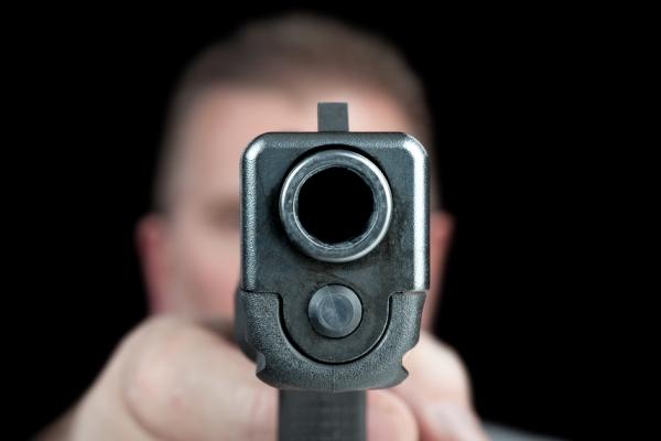 Бандиты обстреляли московских оперативников